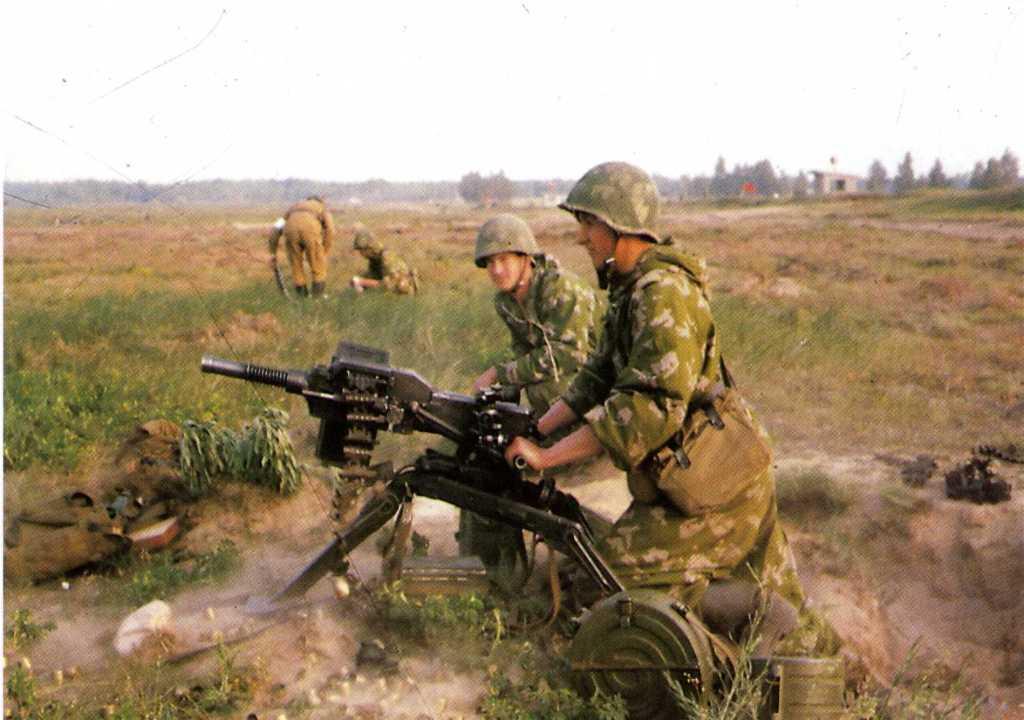 агс 17 и солдаты на военных сборах или учениях